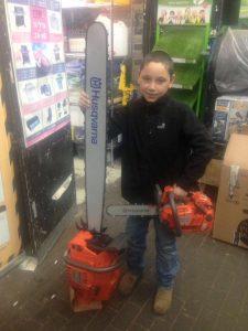 השכרת מסור חשמלי בנתניה – חנות כלי עבודה א.מ גינון