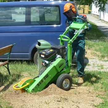 ציוד גינון מקצועי עבור כרסום שורשים באדמה - מכרסמת עצים למכירה דגם F 360 SW 11