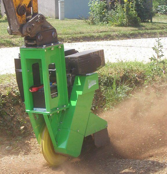 השכרת מכרסמת גדמים תעשייתית לגוף עירוני - מכרסמת עץ דגם FZ 500 / 27
