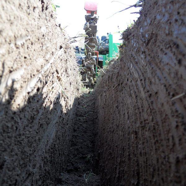 טרנצ'ר להשכרה באזור השרון - מתעל חופר תעלות מקצועי - דגם TR 60/13 HC