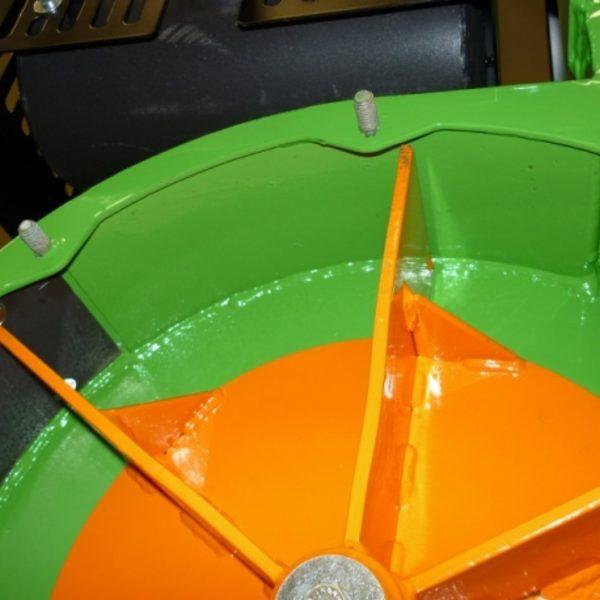 גלגל שאיבה לעלים - שואב של לאסקי דגם VD 440/18