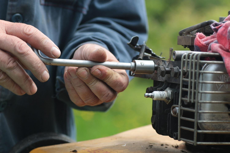 תיקון כלי עבודה או תיקון כלי גינון - חנות בנתניה